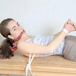 Fetish Sex : Teen in tied suspension!