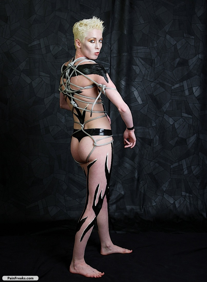 fetish and bdsm intim bodypainting