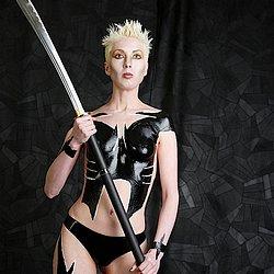 Fetish Sex : Fetish babe latex bodypaint!