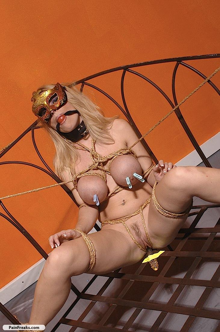 Britney speaks naked