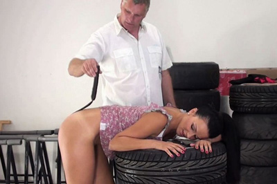 Preview Elite Spanking - Leather Whip Burn 38