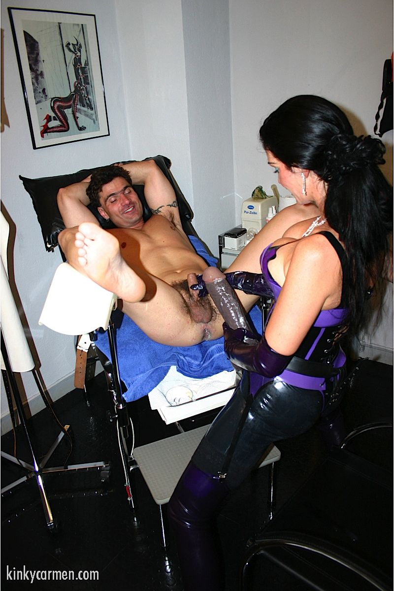 госпожа бдсм с гинекологическим креслом тут сказал фразу