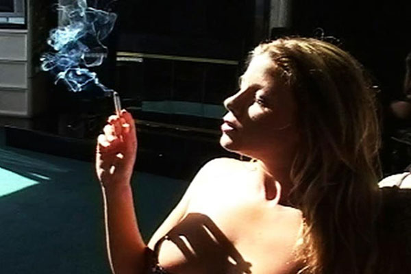 trailerfhg Smoke Some Weed   Smokers Sexy Tits
