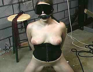 Bondage Porn : Inside Joleen!