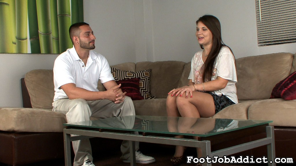 Preview FootJob Addict - Houseboy for Scarlett Rose