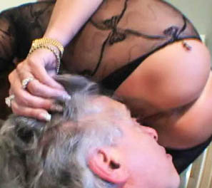 LISA LIPPS: smothering session!