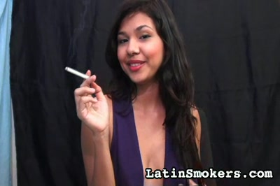 Girls Smoking : Smoking Fetish Debut!