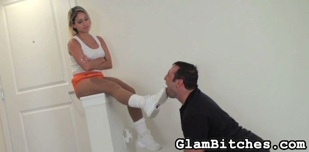 Preview Glam Bitches - Foot worship after a morning jog 2