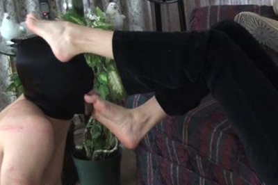 cute girls spreading legs nude
