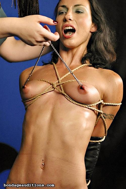 tvts bondage brüste
