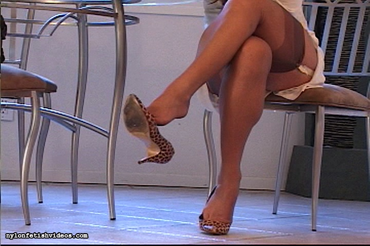 Full Screen Pantyhose Fetish Video Clips 91