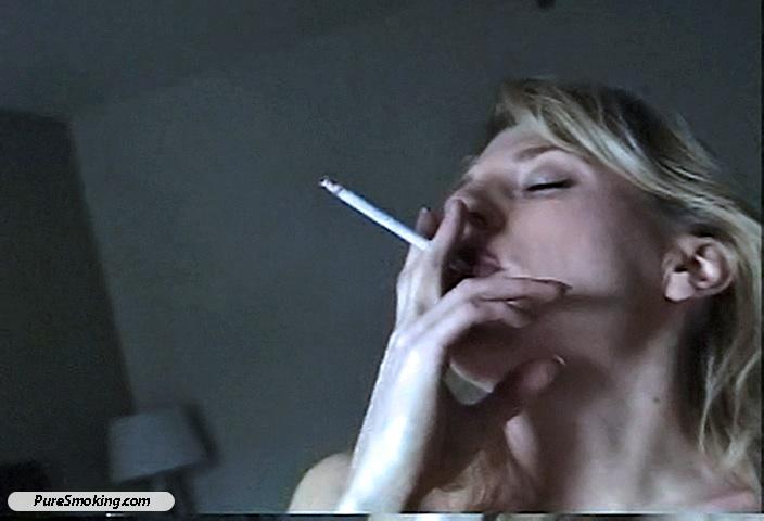 The way clenching cigarette smoking fetish dangle having ass