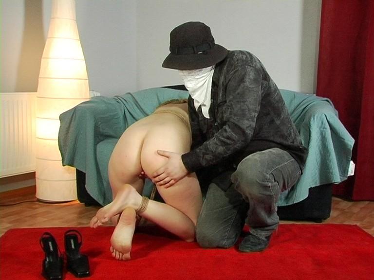 Старый Дед Наказывает Свою Рабыню