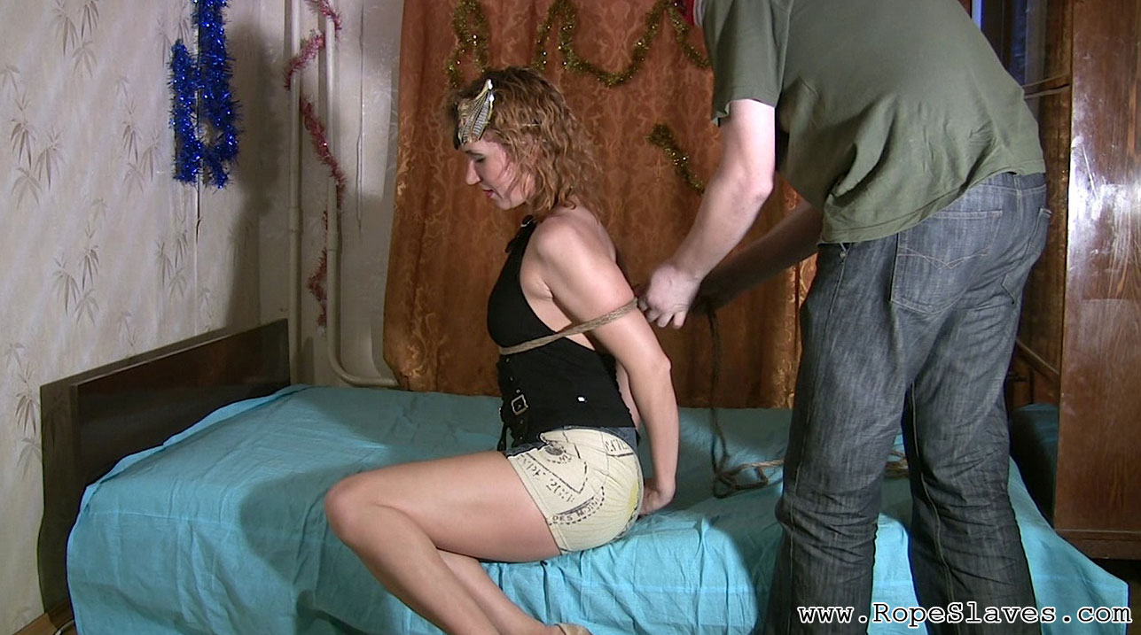 01 Bdsm Fetish Florida   Hot Shibari Bondage Free videos from BDSMTicket.com   Busty slave gets a latex mask on her face