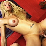 Horny Blonde Tranny delivers a stunning piledriver 16 Pics